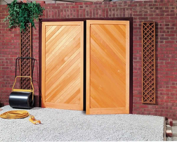 Cardale Garage Doors | Garage Doors | Side Hinged